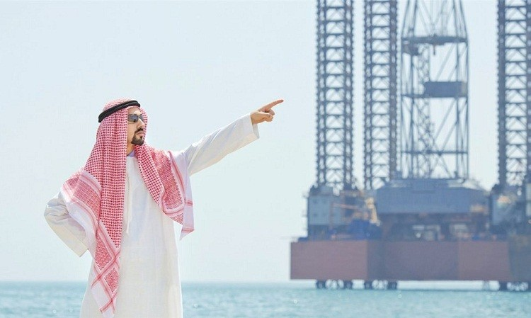 Саудовская Аравия снизила цену на нефть