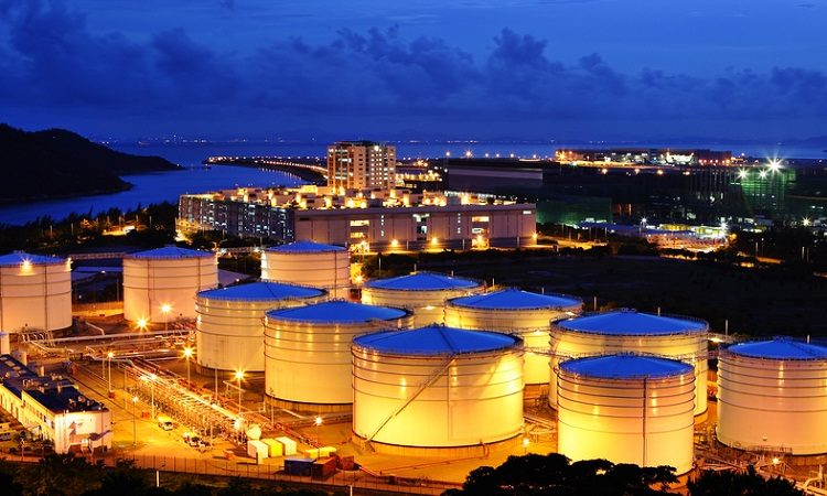 Нефть в минусе, рекордное падение цен на нефть