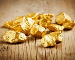 Котировки золота ставят новые рекорды