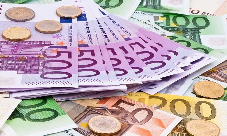 Евро перешел отметку в 91 рубль