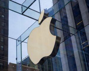 Рыночная стоимость Apple снизилась на $83 млрд