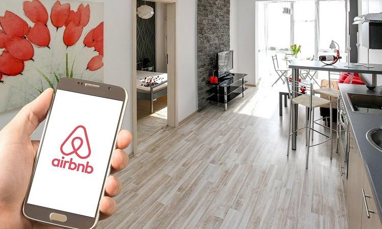 Стоимость Airbnb превысила 100 млрд долларов
