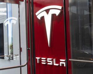 Сотрудника Тесла обвинили в похищении коммерческой тайны