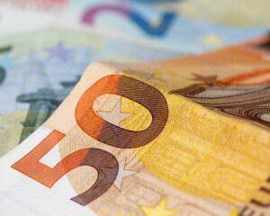 Курс евро превысил 91 рубль