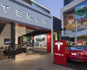 Tesla выходит на рынок общепита