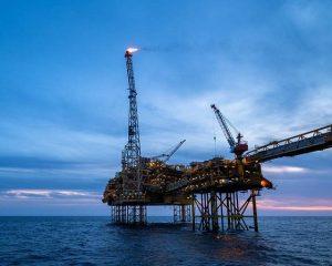 Стоимость нефти Brent выросла до максимума с 2018 года